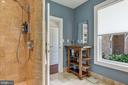 Full Bath / Hall Bath w/ Walk-in Shower - 2920 SOUTHWATER POINT DR, ANNAPOLIS