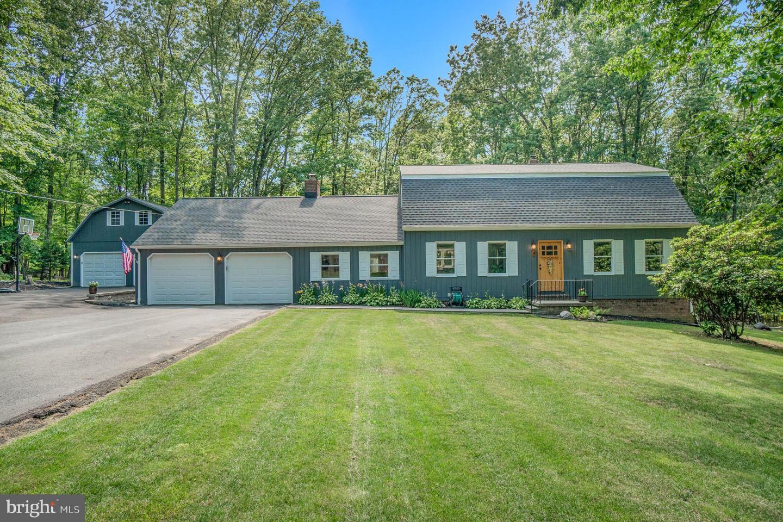 Single Family Homes のために 売買 アット Boiling Springs, ペンシルベニア 17007 アメリカ