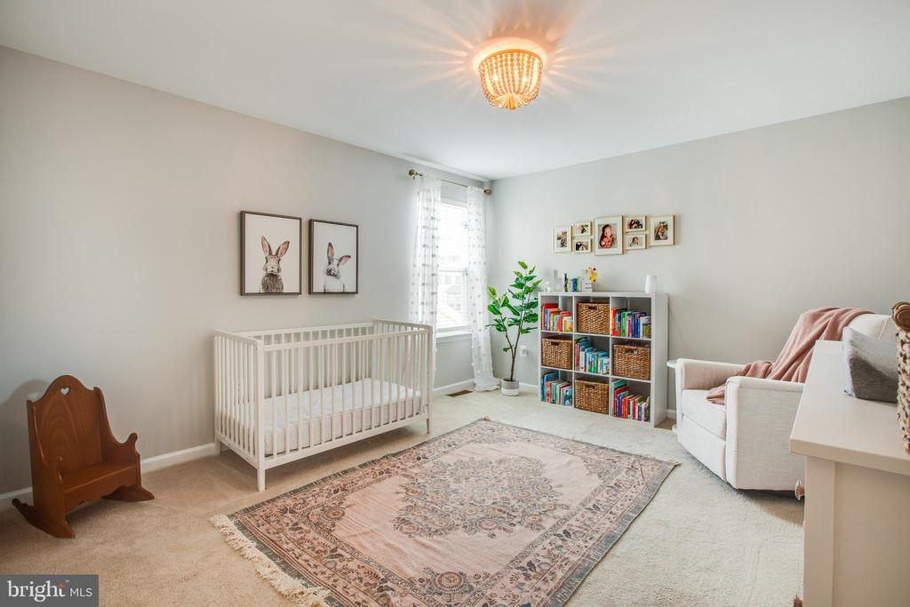Third bedroom on upper level - 400 CONEFLOWER LN, STAFFORD