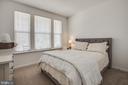 Secondary main level bedroom - 400 CONEFLOWER LN, STAFFORD