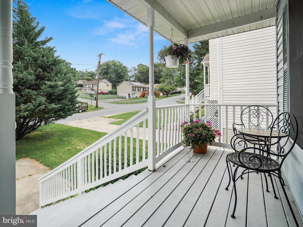 Sit on the front porch and watch the world go by. - 318 E D ST, BRUNSWICK
