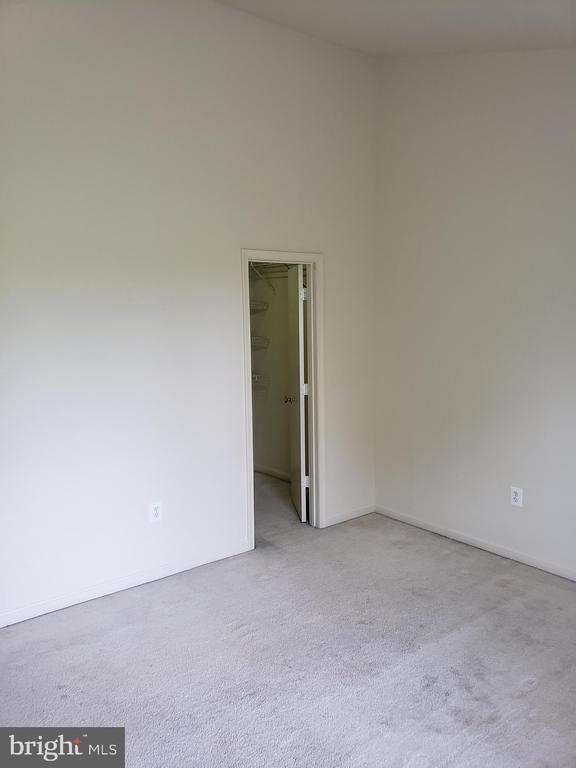 MASTER BEDROOM - 111 NORWICK CT, FREDERICK