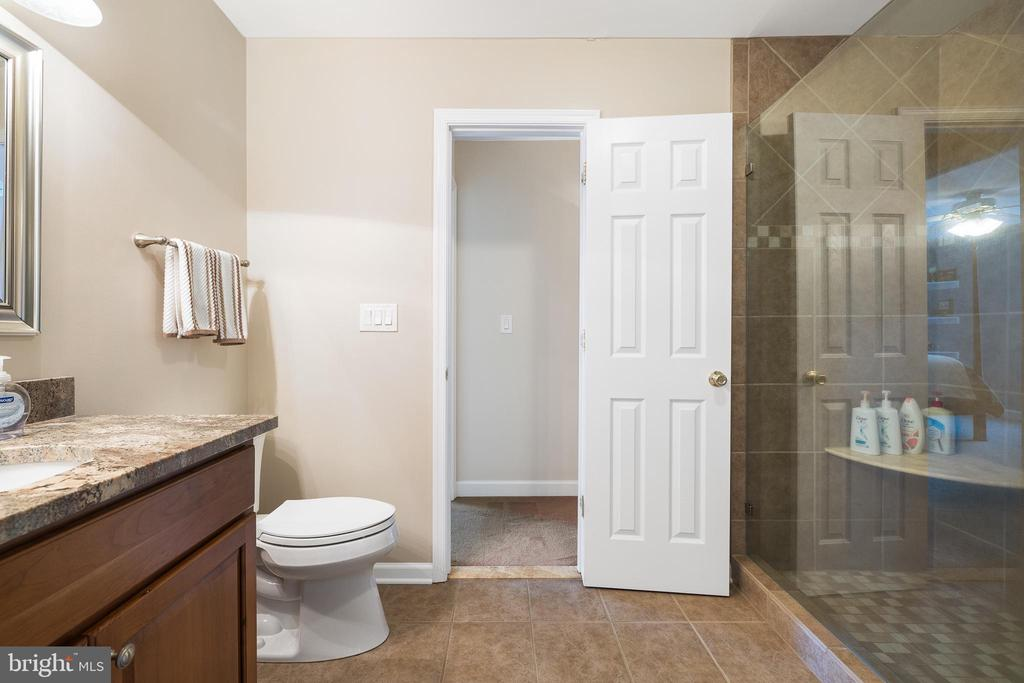 JUST LOOK AT THAT SHOWER!! - 228 ROCK HILL CHURCH RD, STAFFORD