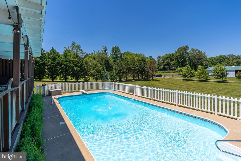 IMAGINE YOURSELF HERE ALL SUMMER! - 228 ROCK HILL CHURCH RD, STAFFORD