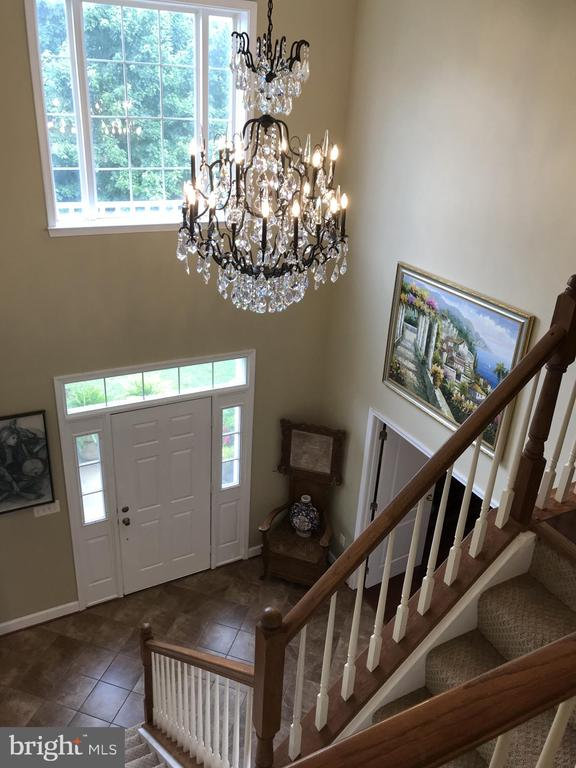 Two Story Foyer with Huge Crystal Chandelier - 11079 SANANDREW DR, NEW MARKET