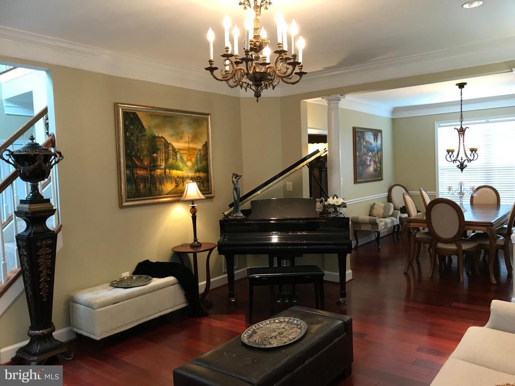 Living room - 11079 SANANDREW DR, NEW MARKET
