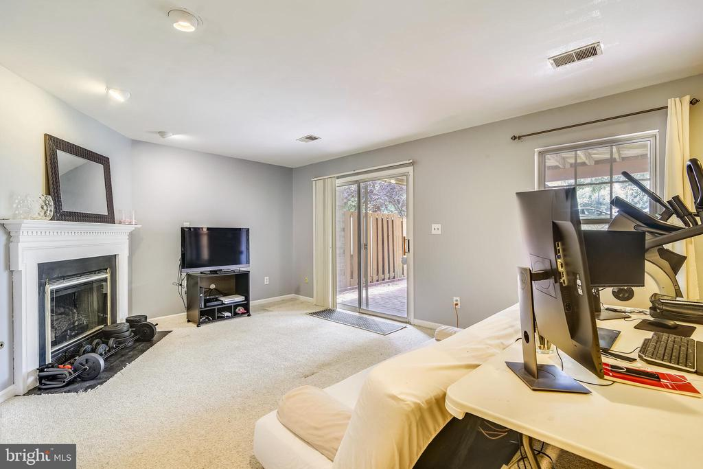 Basement with fireplace - 21121 FIRESIDE CT, STERLING