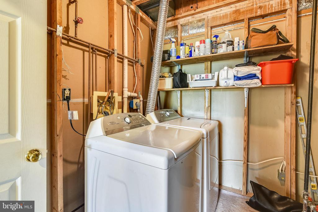 Laundry Room in the Basement - 21121 FIRESIDE CT, STERLING