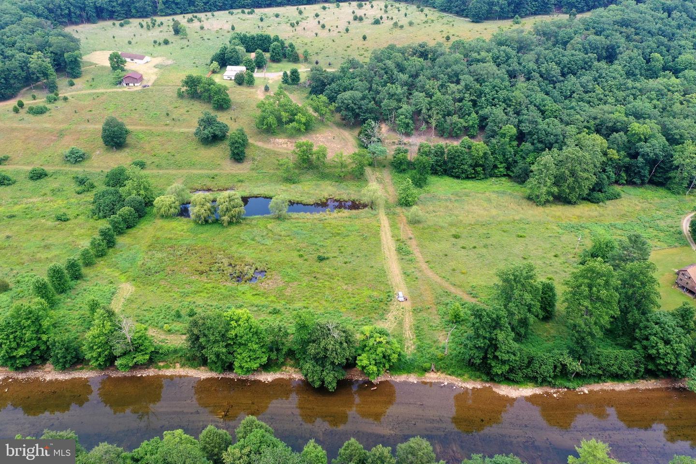 Single Family Homes por un Venta en Great Cacapon, West Virginia 25422 Estados Unidos