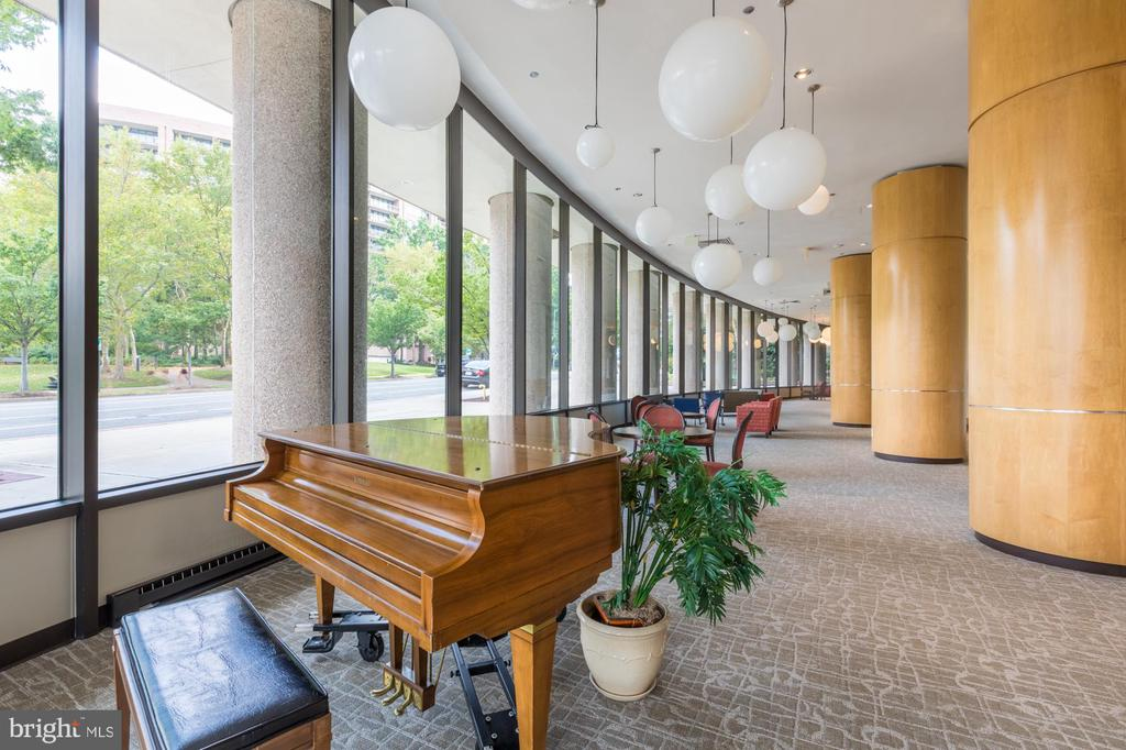 Lobby - 1300 CRYSTAL DR #306S, ARLINGTON