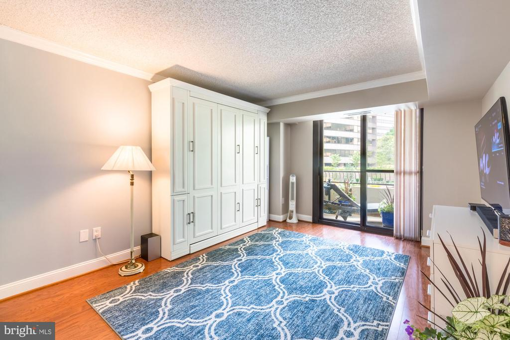 Bedroom 2 w/ balcony, furniture conveys (optional) - 1300 CRYSTAL DR #306S, ARLINGTON