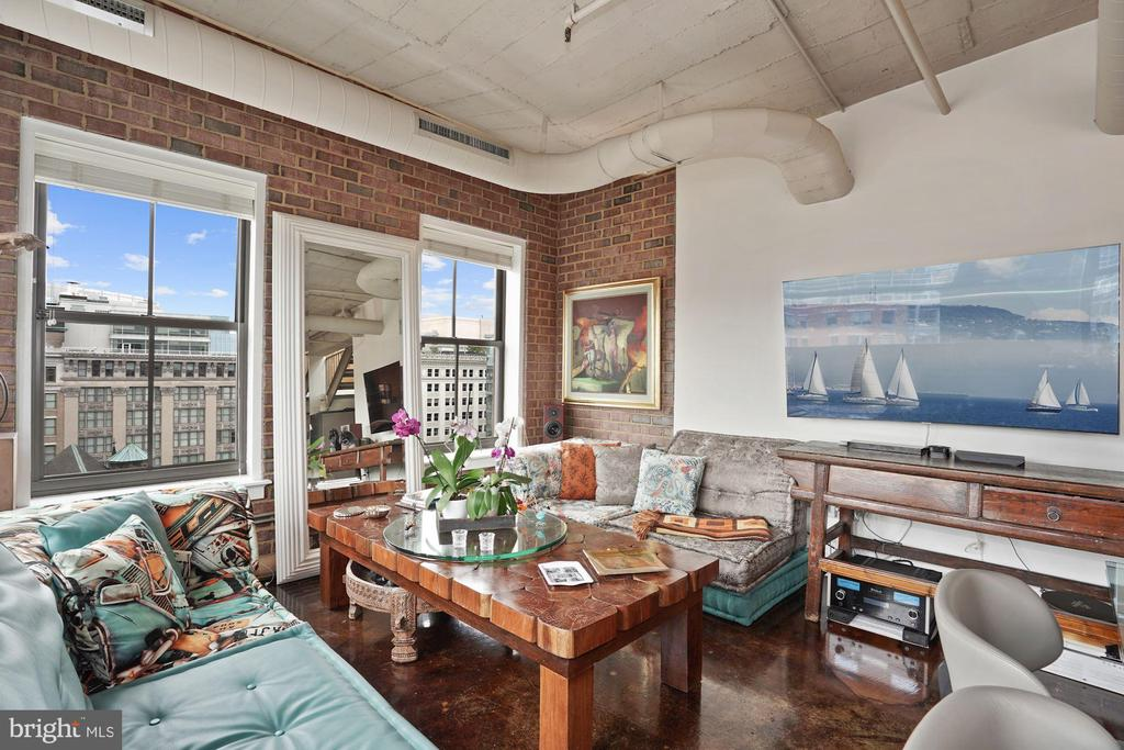 Exposed brick throughout the home. - 916 G ST NW #1004, WASHINGTON