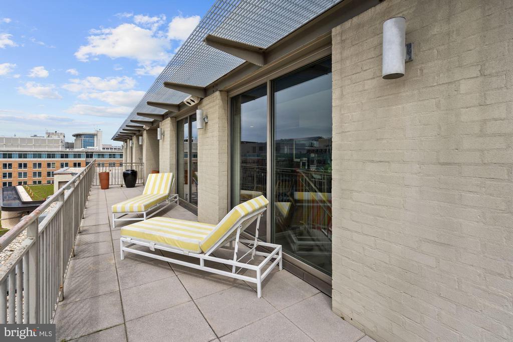 Private balcony. - 916 G ST NW #1004, WASHINGTON