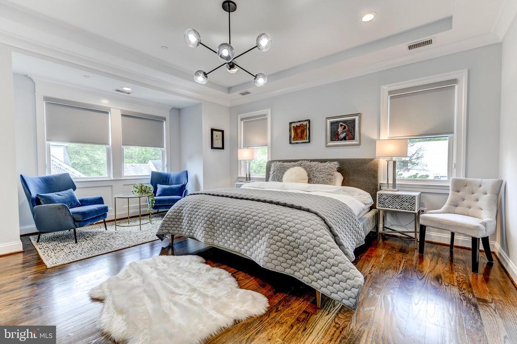 Stunning Owner's suite - 4522 CHELTENHAM DR, BETHESDA