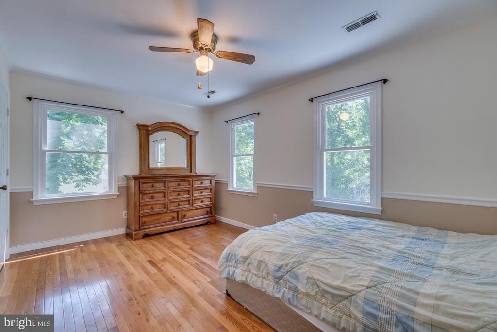 Bedroom 2: Extra Windows! - 3256 TITANIC DR, STAFFORD