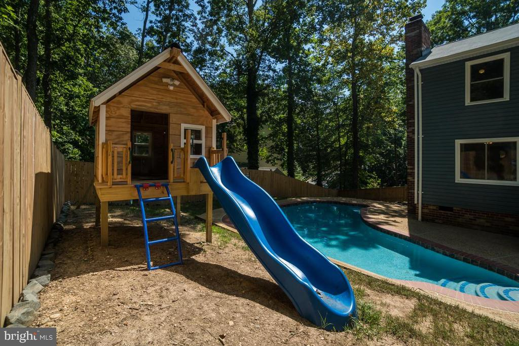 Custom Built Kids Clubhouse - 3256 TITANIC DR, STAFFORD