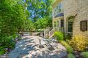 Inviting gardens and patios - 9318 LUDGATE DR, ALEXANDRIA