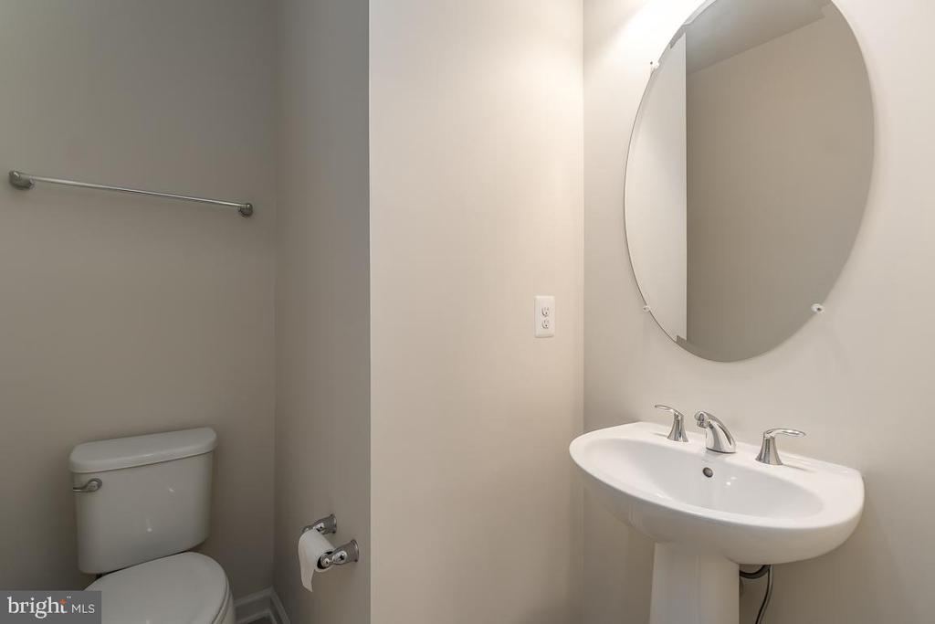 Half bath on second level. - 23305 MILLTOWN KNOLL SQ #112, ASHBURN