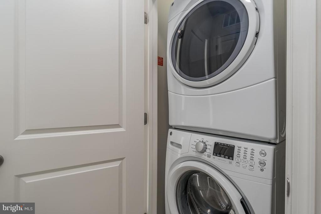 Upstairs laundry! - 23305 MILLTOWN KNOLL SQ #112, ASHBURN