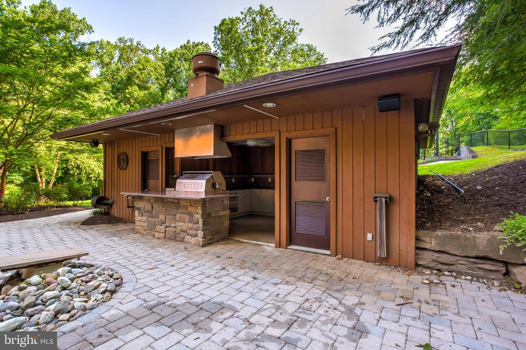 Custom Pool House - 11140 HOMEWOOD RD, ELLICOTT CITY