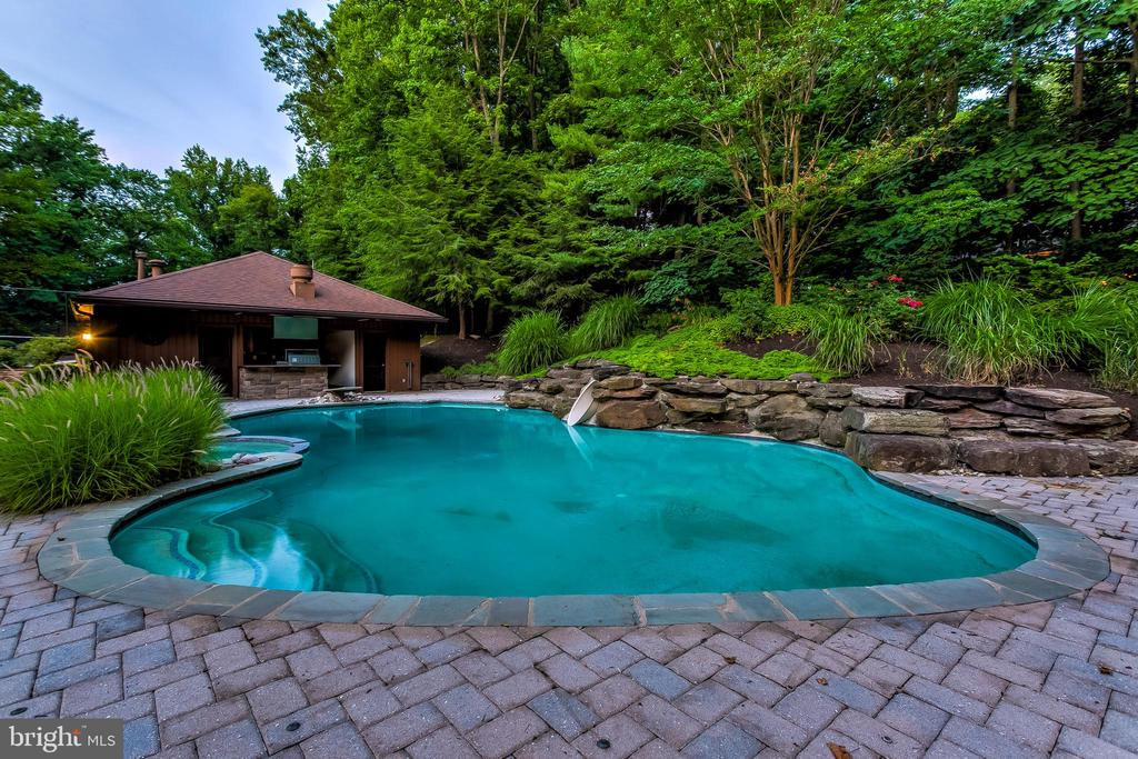 Twilight Pool - 11140 HOMEWOOD RD, ELLICOTT CITY