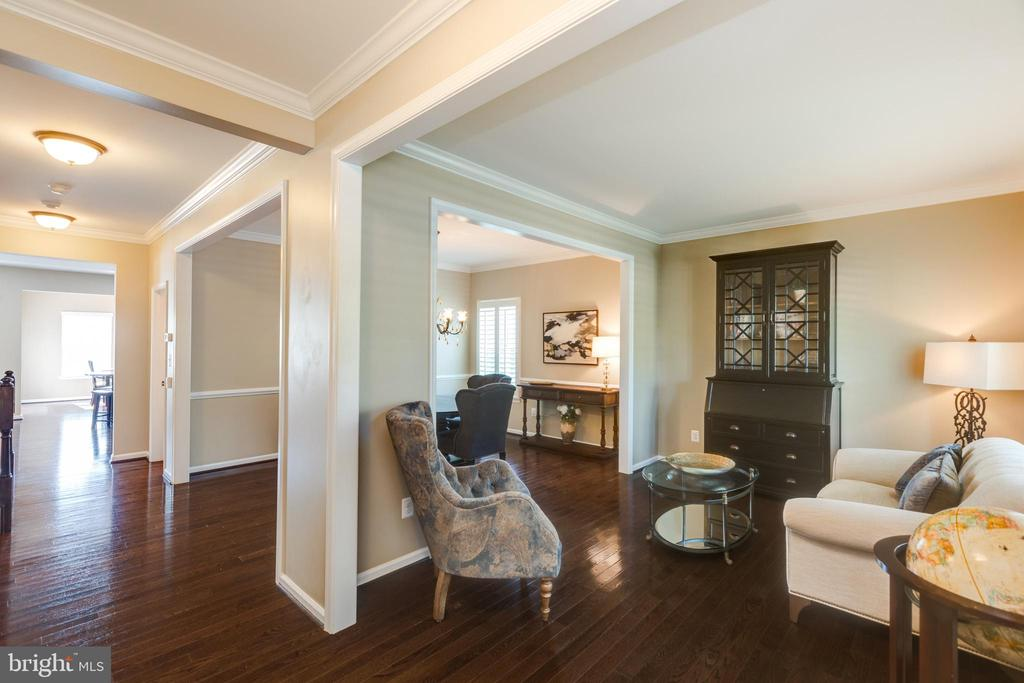 Living Room / Dining Room - 25821 RACING SUN DR, ALDIE