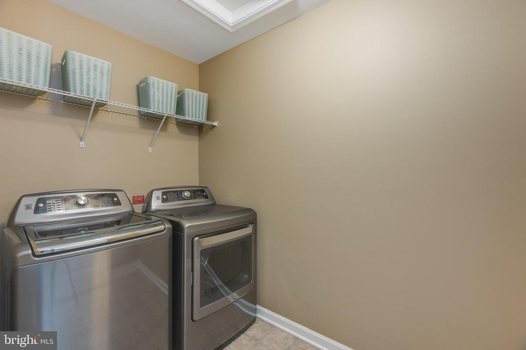Laundry room (ON BEDROOM LEVEL!) - 25821 RACING SUN DR, ALDIE