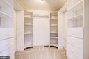 Walk in master closet - 14810 CROSSVALLEY RD, BURTONSVILLE