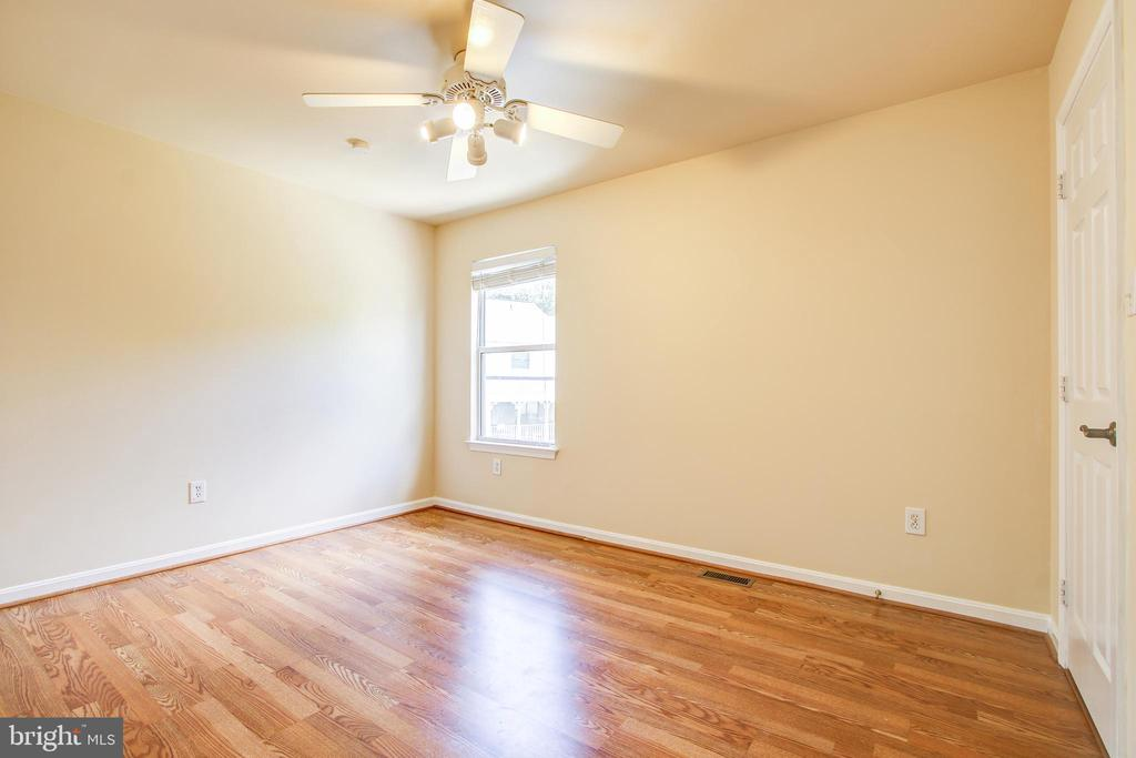 Bedroom #3 - 14810 CROSSVALLEY RD, BURTONSVILLE