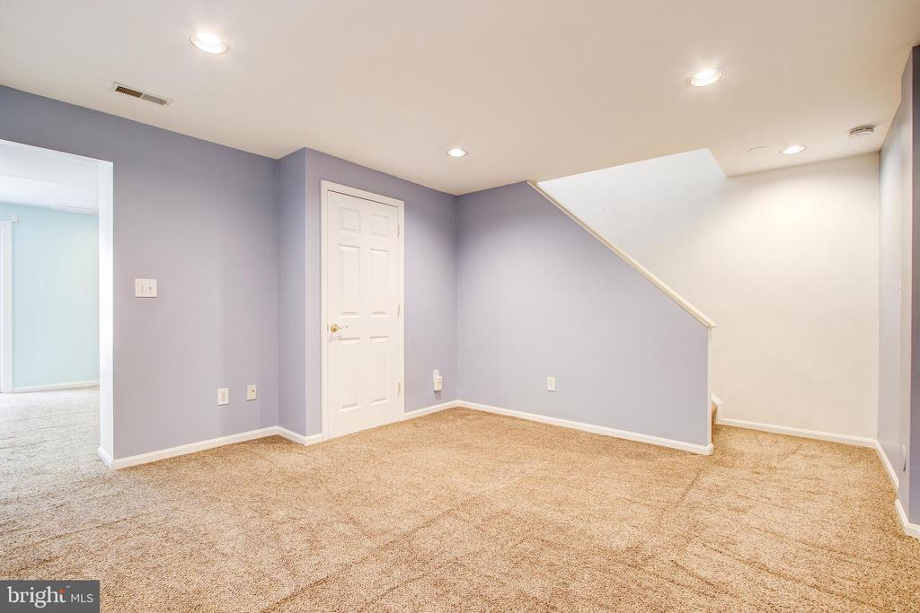 Lower level - 14810 CROSSVALLEY RD, BURTONSVILLE