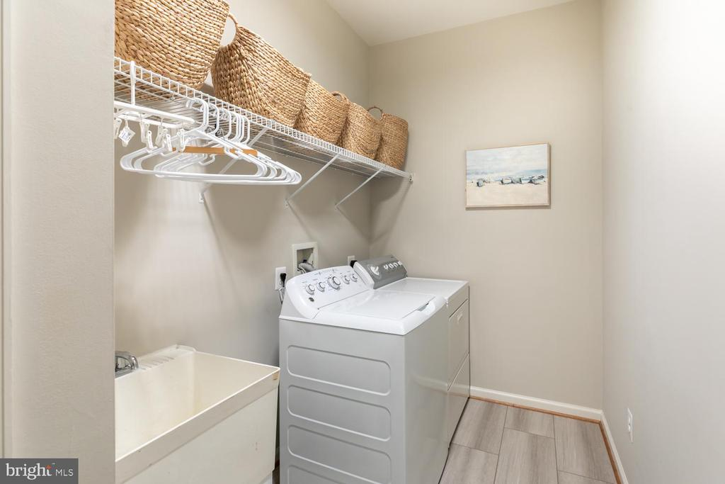 Laundry room - 43378 COTON COMMONS DR, LEESBURG