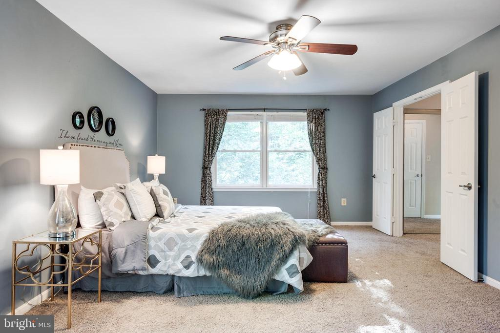 Owners bedroom - 348 EUSTACE RD, STAFFORD