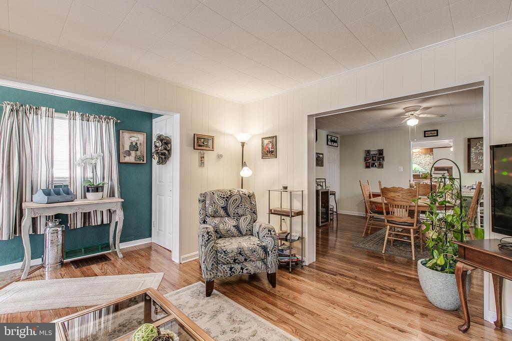 Living Room to Dining - 19 PETERSVILLE RD, BRUNSWICK
