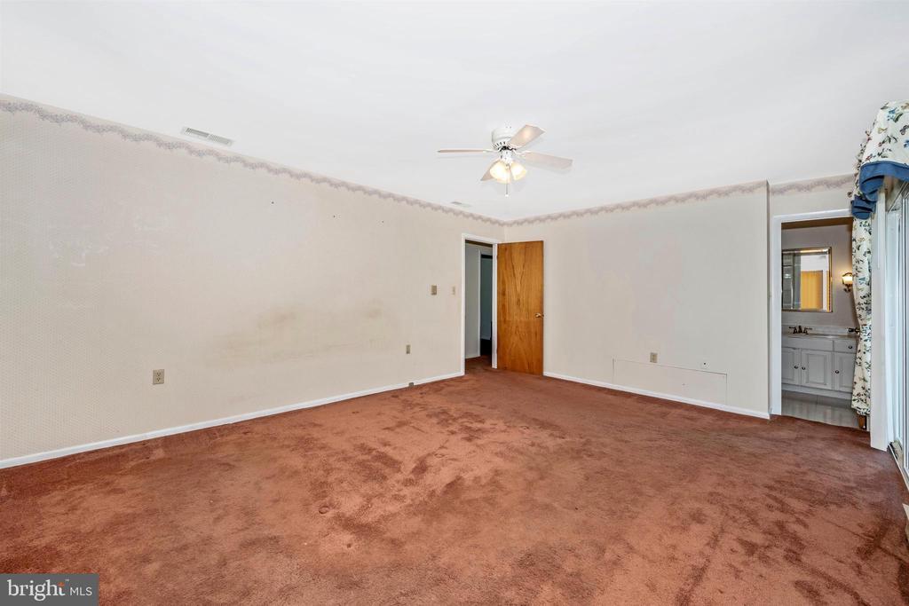 Master bedroom - 3495 ADGATE DR, IJAMSVILLE