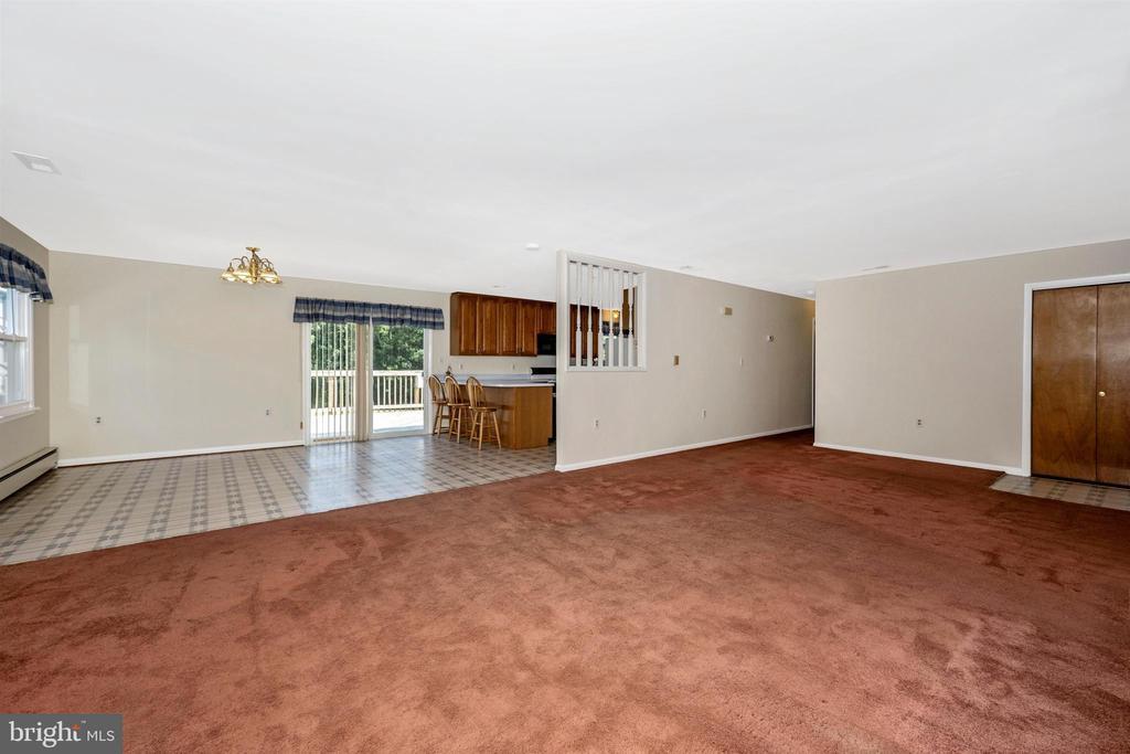 Living room - 3495 ADGATE DR, IJAMSVILLE