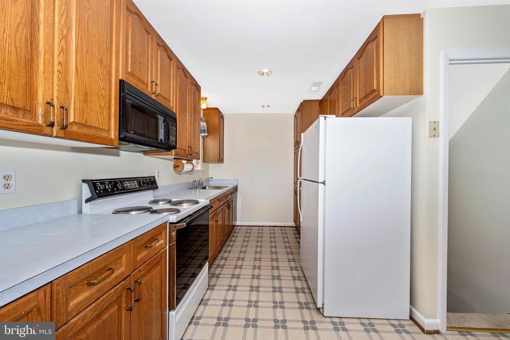 Kitchen - 3495 ADGATE DR, IJAMSVILLE