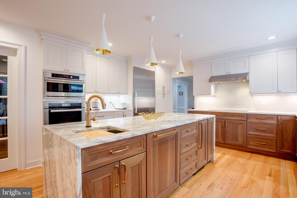 2 Dishwashers, 2 Sinks, 2 Disposals - 1960 BARTON HILL RD, RESTON