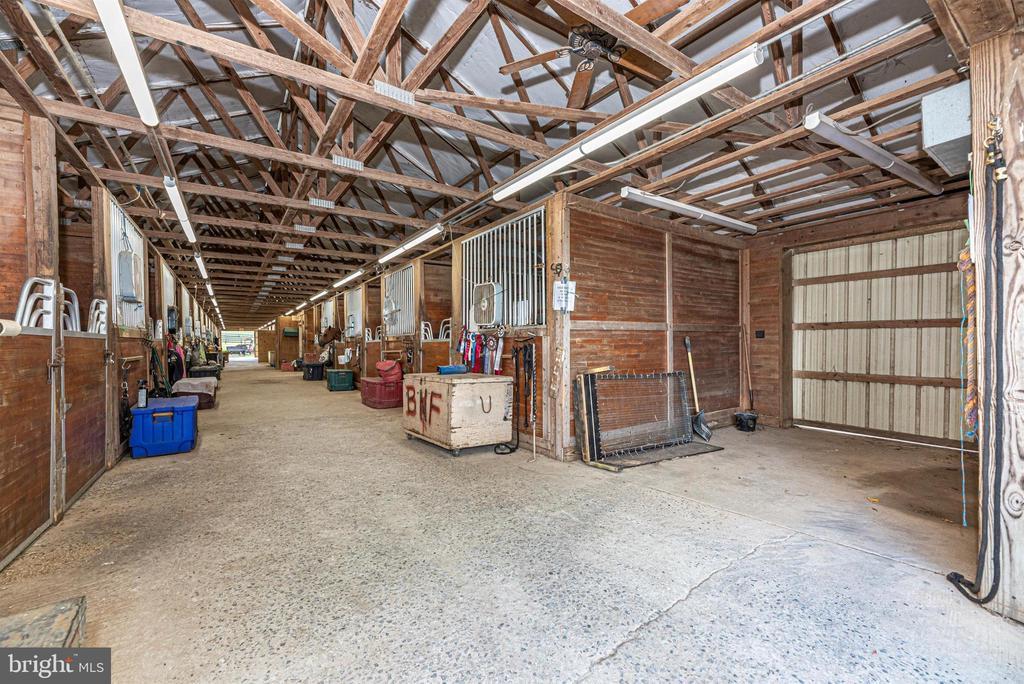 upper barn - 11437 BETHESDA CHURCH RD, DAMASCUS
