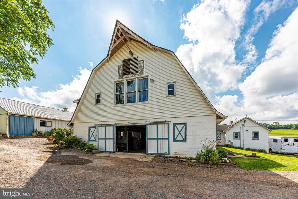 lower barn - 11437 BETHESDA CHURCH RD, DAMASCUS