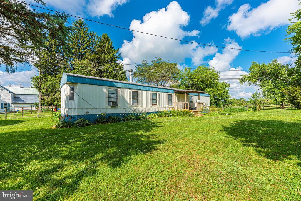 2 bedroom trailer - 11437 BETHESDA CHURCH RD, DAMASCUS