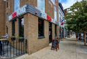 Steps to many restaurants, shops and more! - 704 G ST NE, WASHINGTON