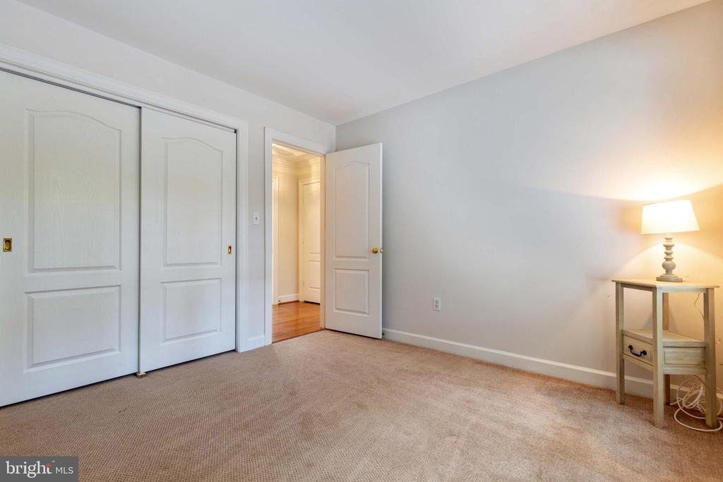 Fourth Bedroom - 9510 CLAYCHIN CT, BURKE