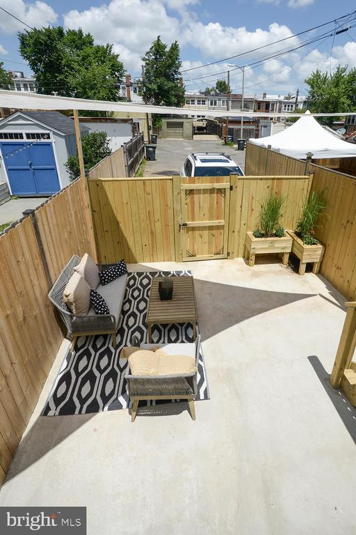 Plus Patio for Friendly Gatherings or Gardening - 1734 INDEPENDENCE AVE SE, WASHINGTON