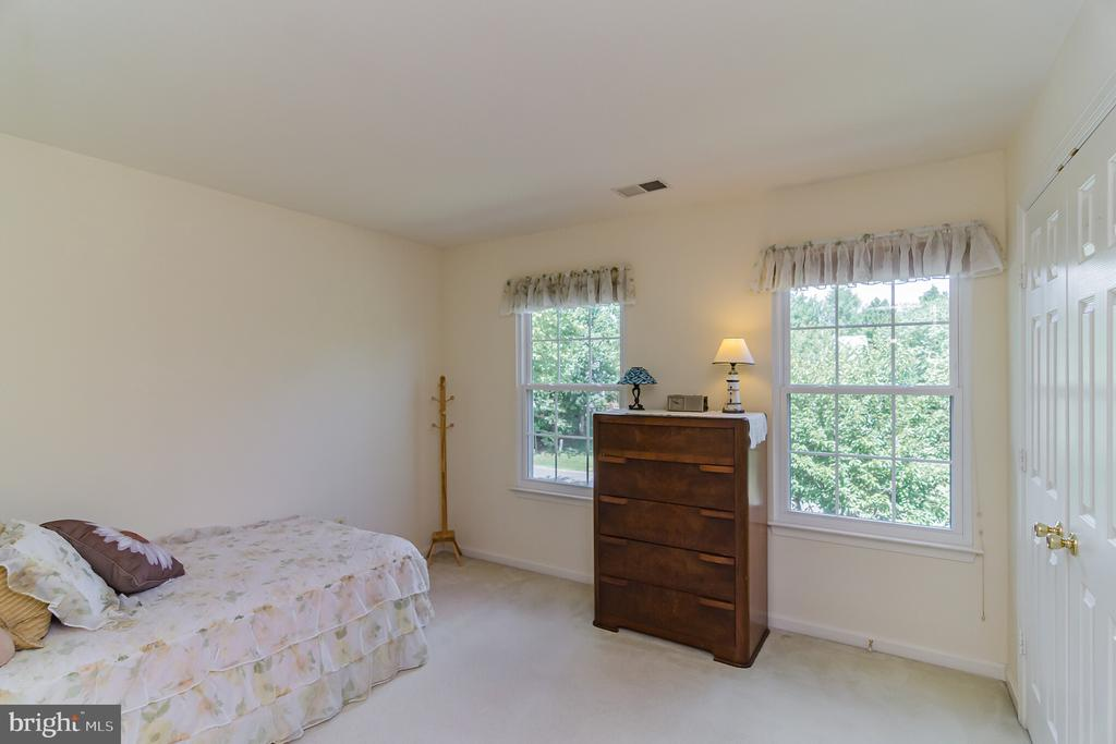 Spacious second bedroom - 36 WESTHAMPTON CT, STAFFORD