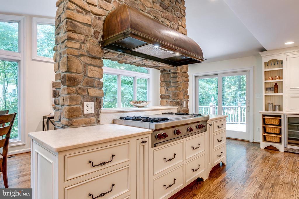 Stone Chimney Hood with Gourmet Wolf Range - 1224 BISHOPSGATE WAY, RESTON