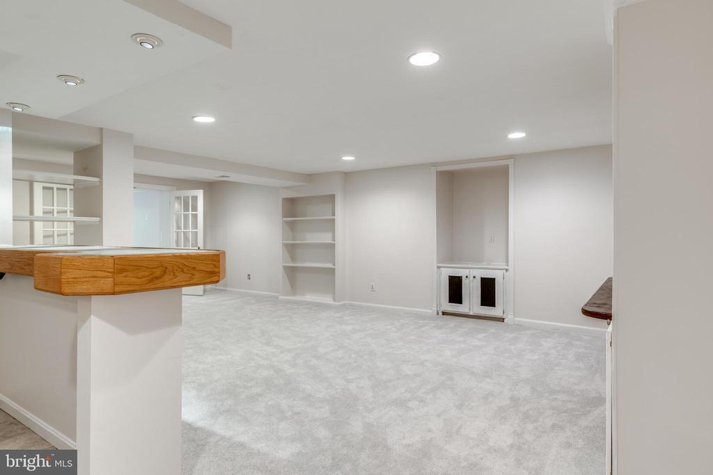Lower Level Family Room/Rec Room - 1224 BISHOPSGATE WAY, RESTON