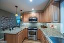 Lots of counterspace - 505 WOODSHIRE LN, HERNDON