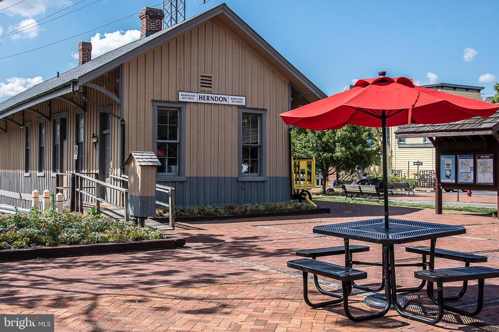 The downtown Herndon Depot - 505 WOODSHIRE LN, HERNDON