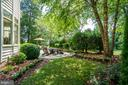 Beautiful garden and patio - 43559 FIRESTONE PL, LEESBURG