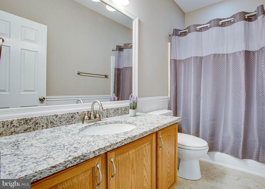 Main level full bath Remodeled 2019 - 9 GALLERY RD, STAFFORD